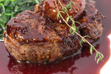 Jomby Recipe for Filet Mignon with Wild Mushrooms and Red Wine