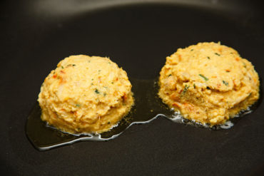 Jomby Recipe for Maryland Style Crab Cakes